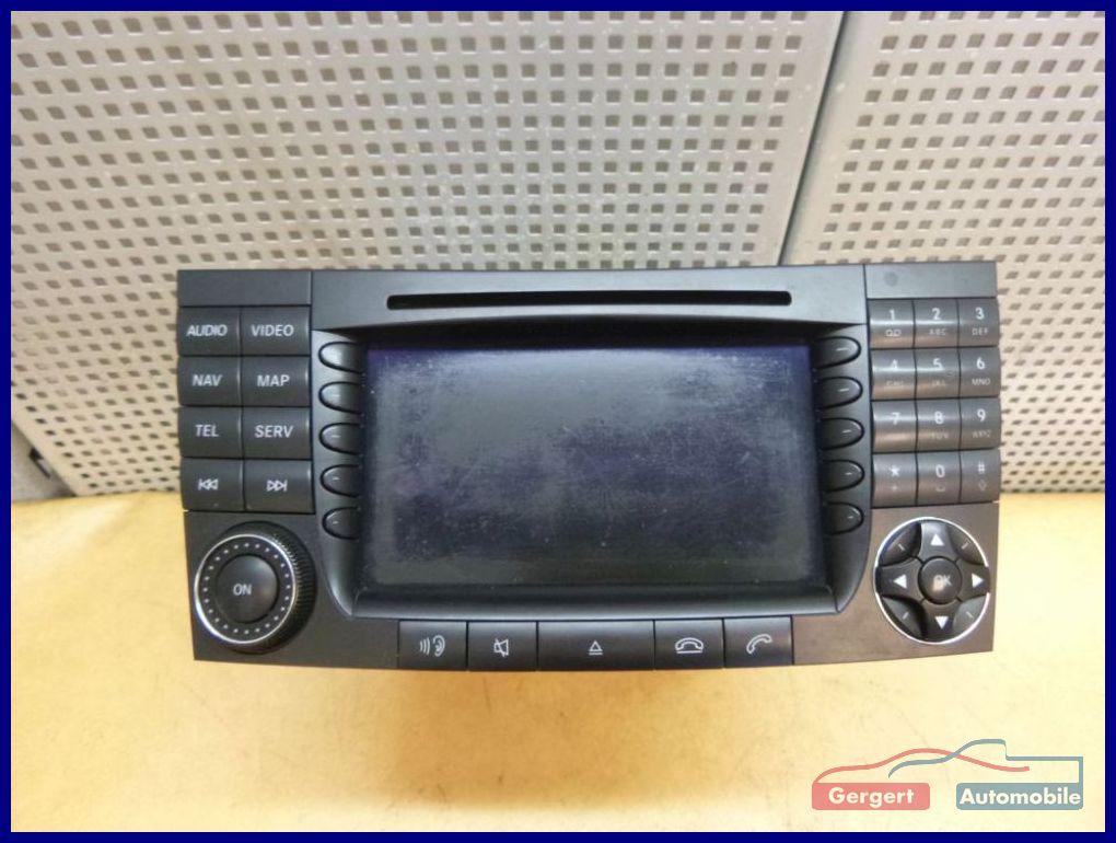 radio mit cd navi telefon video 2118202197 mercedes benz e. Black Bedroom Furniture Sets. Home Design Ideas